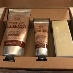 THE BODY SHOP Home & Go Almond Hand Set NEW